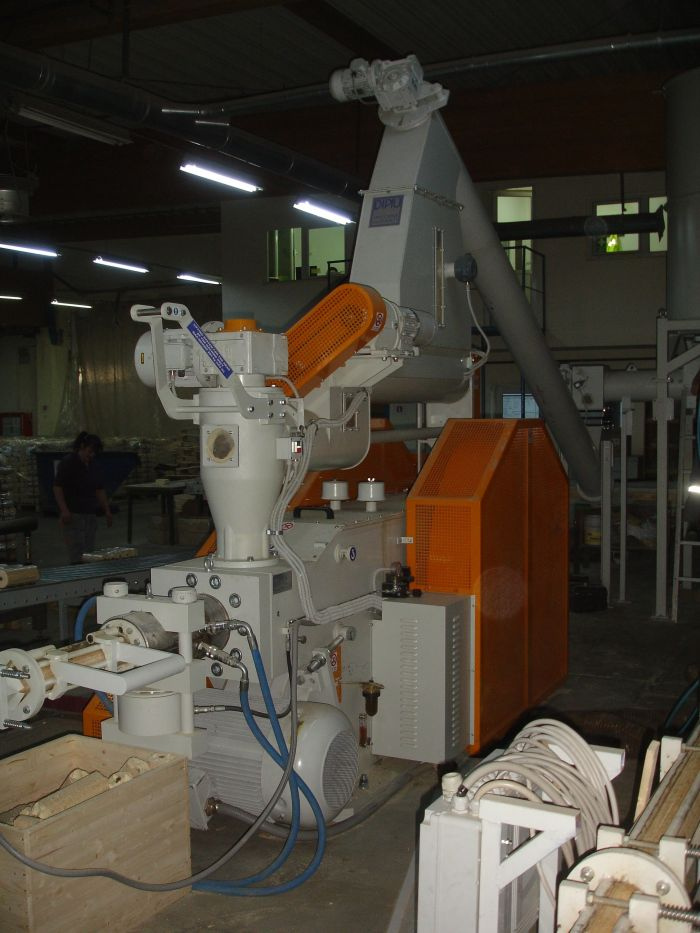 Linie brichetare BRIK model MB 100
